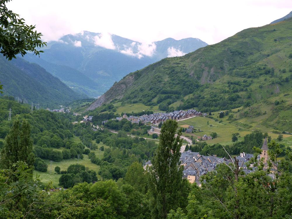 Espagne le vall d 39 aran d tours pyr n ens - Inmobiliaria valle de aran ...