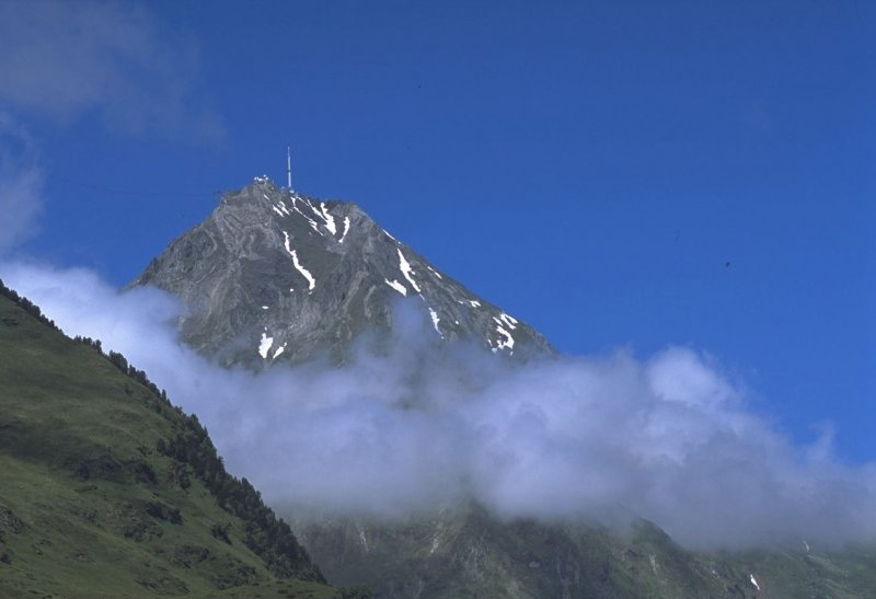 tour to the pic du midi de bigorre and its observatory d tours pyr n ens. Black Bedroom Furniture Sets. Home Design Ideas